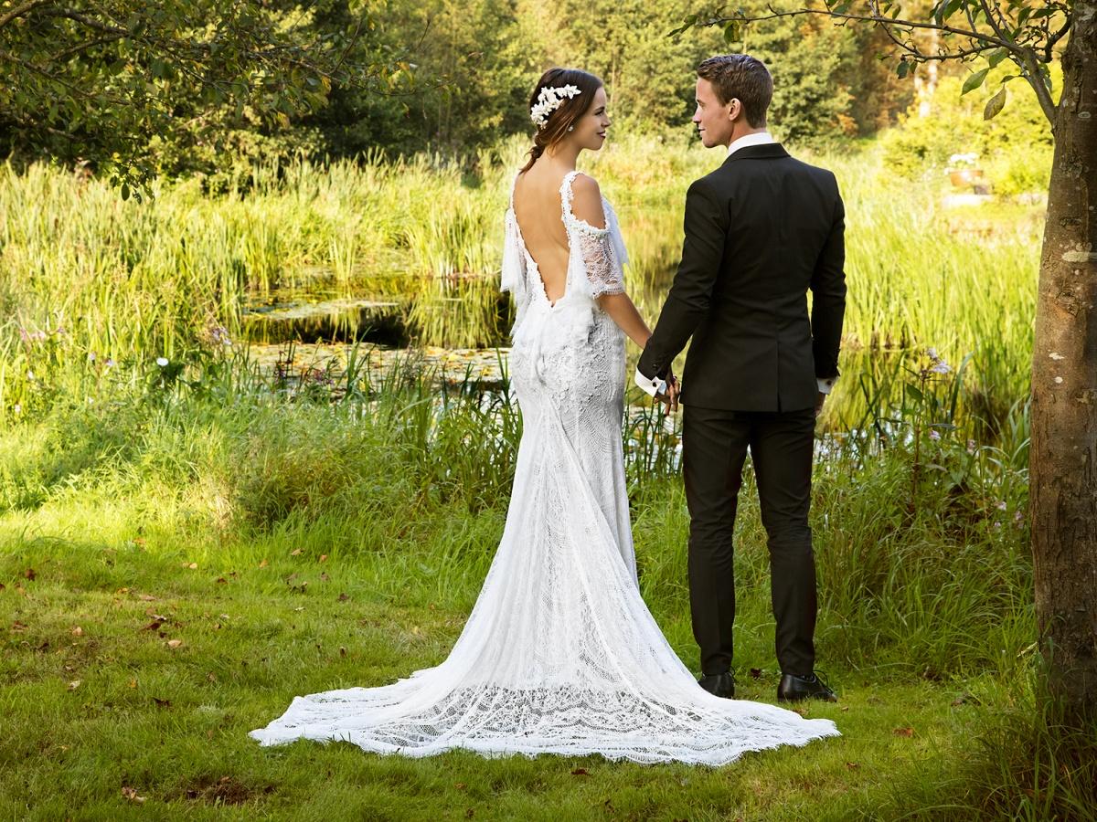Modellfotografering på Örtofta slott med klänning från Dreamwear.